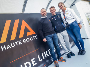 Michele Antonioli tra Davide Marchegiano - direttore gara - e Tania Bianchin organizzazione HAUTE ROUTE STELVIO 2018