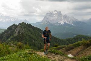 dxt 2018 - Jimmi Pellegrini 3. classificato sul Monte Rite. Sullo sfondo il monte Pelmo - CREDITO ANDREA SAGUI